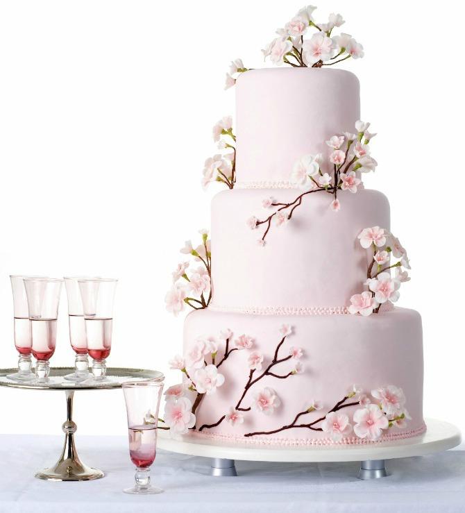 Torta inspirisana temom trešnjinog cveta 51 Trešnjin cvet, idealna dekoracija za prolećno venčanje