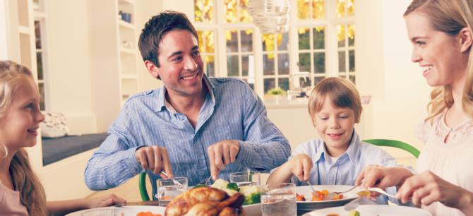 slika1 dinner time with family Pet igrica u kojima ćete uživati sa porodicom