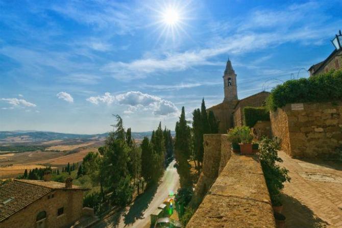 3 zamak Italijanski zamkovi: Montalćino, Toskana