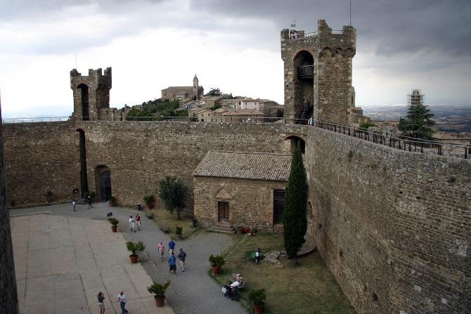 5 zamak Italijanski zamkovi: Montalćino, Toskana
