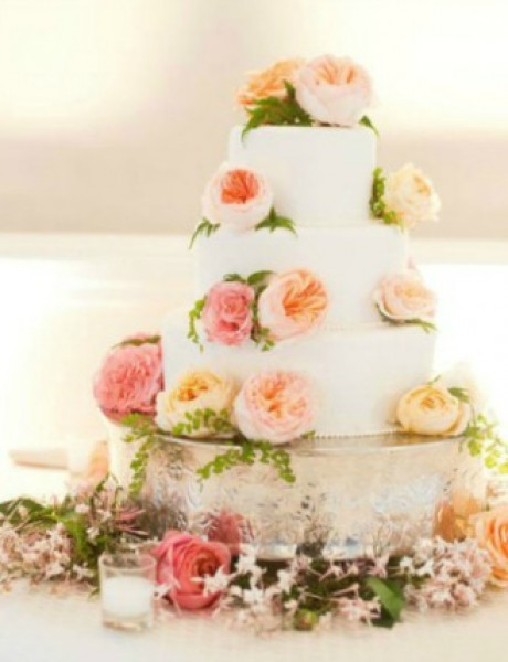 Ruže na svadbenoj torti