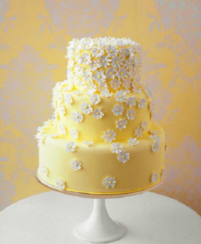 Torta sa belim radama 1 Venčanje inspirisano belim radama