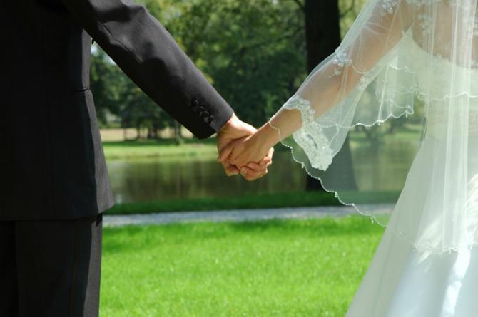 1slika2 Da li bi zaista trebalo da se venčamo?