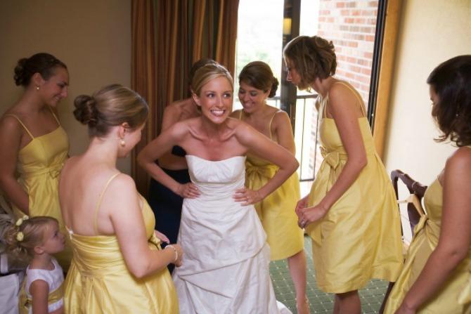 23 Našminkaj me, obuci me, danas se udajem!