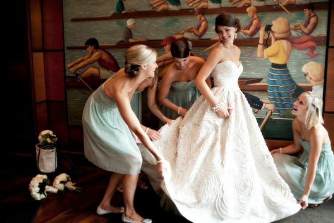 43 Našminkaj me, obuci me, danas se udajem!