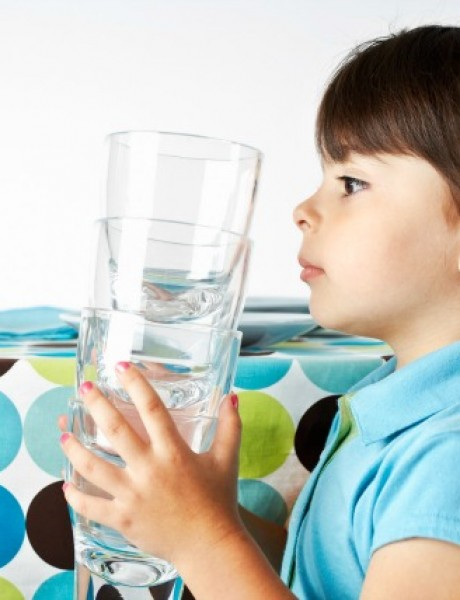 Kako da naučite decu da pomažu u kućnim poslovima?