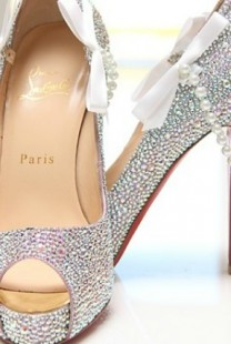 Aksesoar dana: Cipele sa kristalima Christian Louboutin