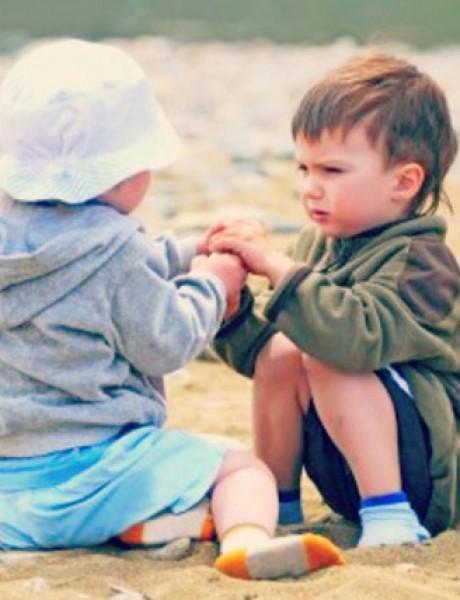 Naučite decu da dele svoje stvari sa drugima