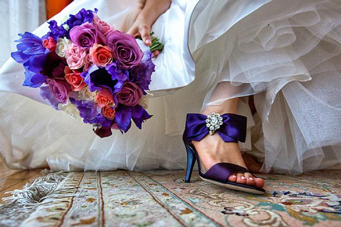Ljubičaste Cipele za mladu u jarkim bojama