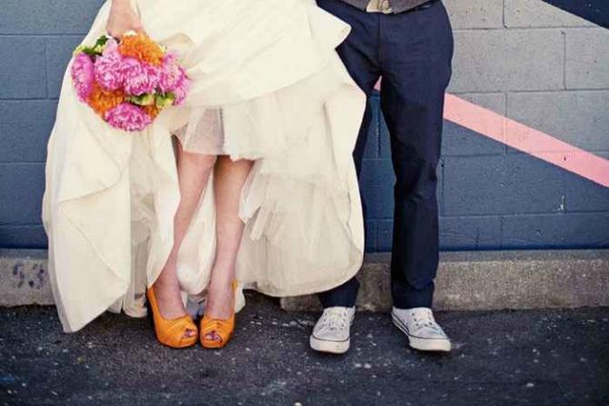 Narandžaste Cipele za mladu u jarkim bojama