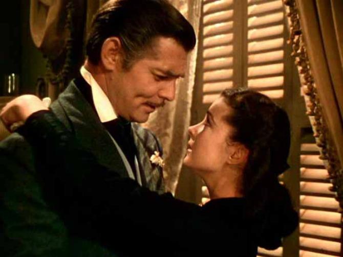 Skarlet OHara u zagrljaju Reta Batlera Najbolji ljubavni klasici svih vremena: Prohujalo za vihorom