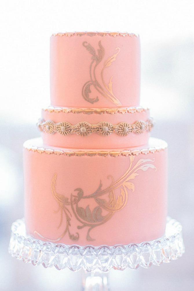 slika16.jpg6 Neobične, ženstvene i slatke svadbene torte (1. deo)