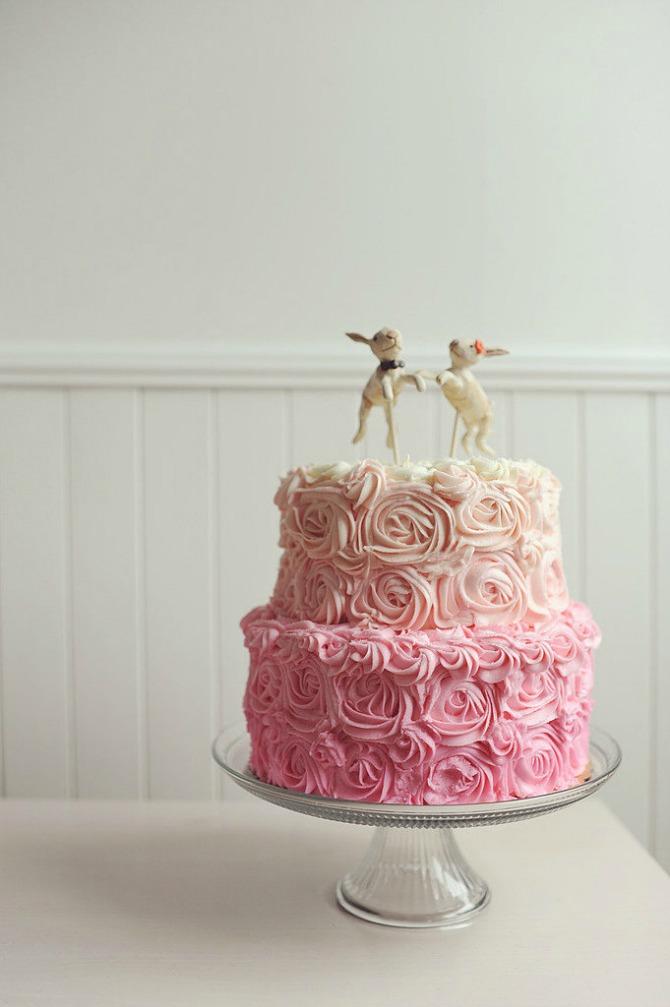 slika36.jpg6 Neobične, ženstvene i slatke svadbene torte (1. deo)
