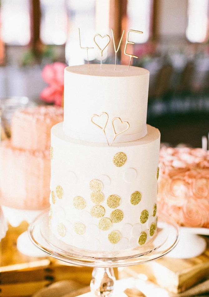 slika37.jpg7 Neobične, ženstvene i slatke svadbene torte (2. deo)