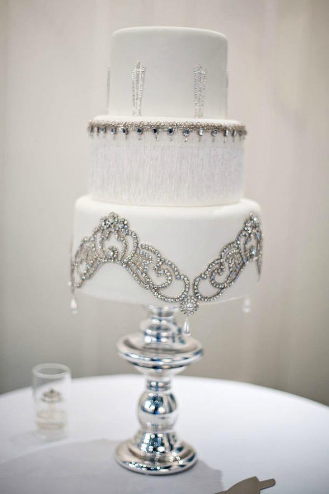 slika56.jpg6 Neobične, ženstvene i slatke svadbene torte (1. deo)