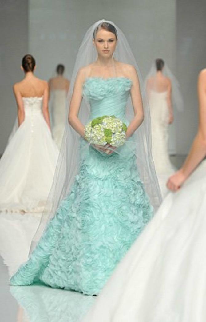 slika68.jpg8 Sofisticirane venčanice pastelnih boja