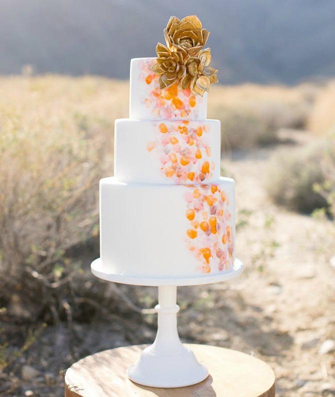 slika84.jpg4 Neobične, ženstvene i slatke svadbene torte (1. deo)