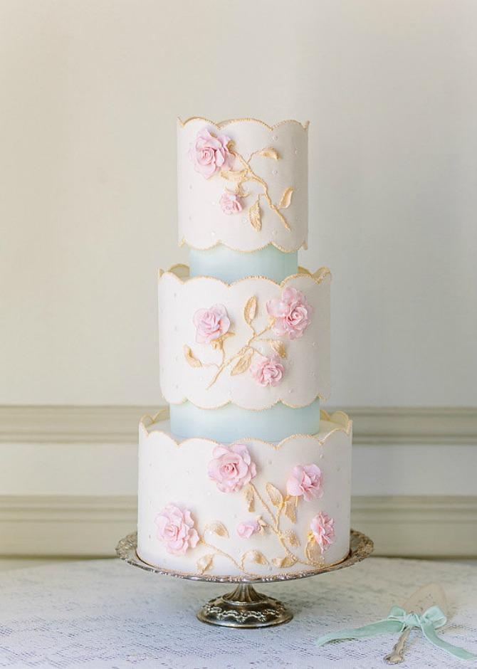 slika94.jpg4 Neobične, ženstvene i slatke svadbene torte (1. deo)