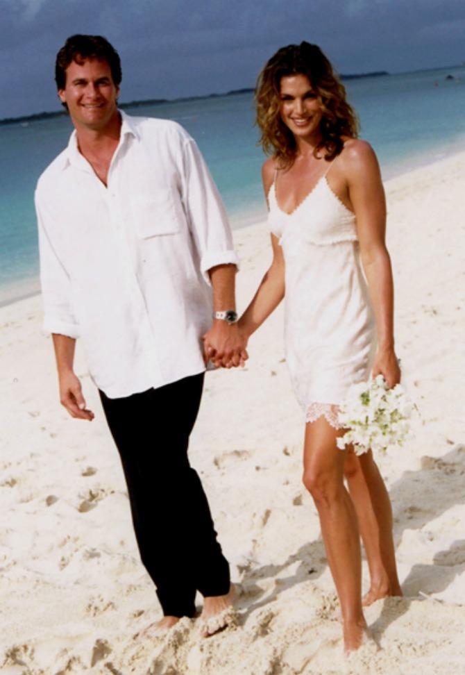cindy crawford beach short wedding dress Sindi Kroford: Venčanica koja najviše otkriva