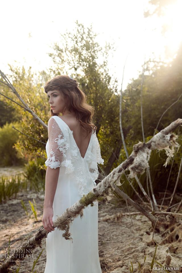 lara hannah bridal 2014 priestess vintage 1940s style wedding dress lace cape Lara Hannah: Magična kolekcija