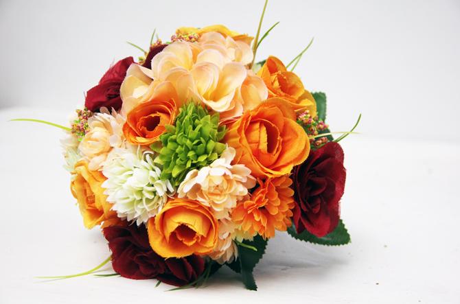 orange bordeaux unique wedding bouquet Predlog dana: Buket od poljskog cveća