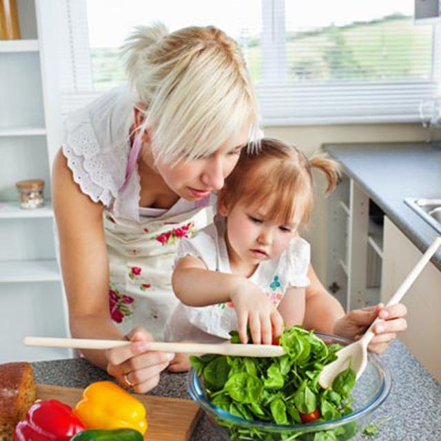 pg teaching fruits and vegetables let your kid help full Deca u kuhinji