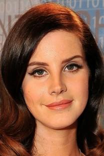 Tajna veridba: Lana Del Rej