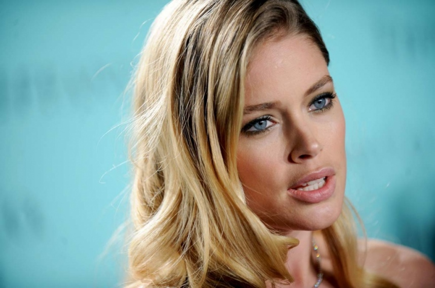 Doutzen Kroes a la soiree Tiffany Co a New York le 18 avril 2013 portrait w858 Daucen Krous: Mama po drugi put
