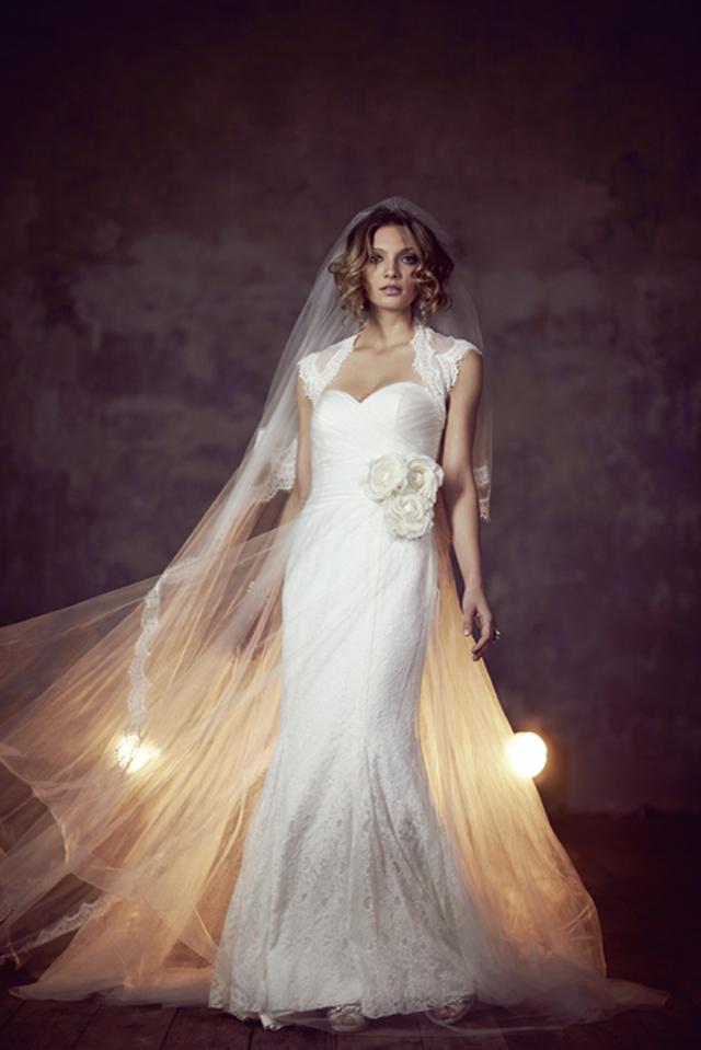 Esme a Pogled na božanstvenu kolekciju venčanica