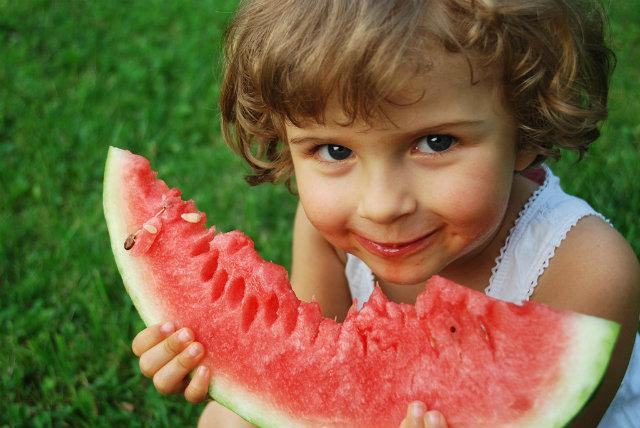 Healthy Eating Girl Šta jedu zdrava deca?