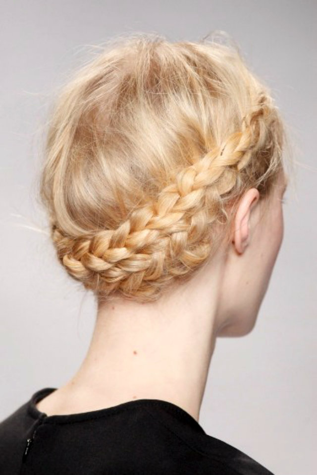 ImageGen 1 Zanimljive frizure za venčanje