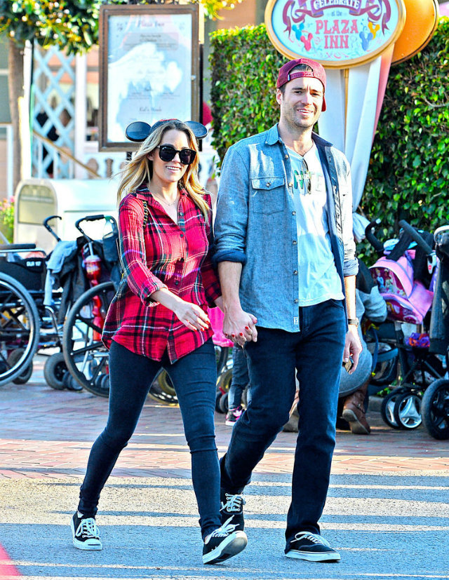 Lauren Conrad William Tell Disneyland Pictures 11 Loren Konrad i Vilijam Tel u zabavnom parku