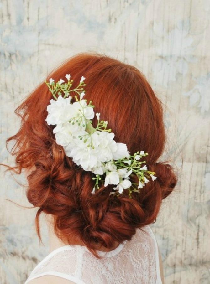 Slika 123 Aksesoar dana: Cvet u kosi