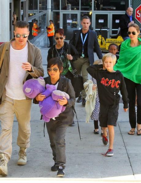 Porodica Džoli – Pit ponovo na okupu
