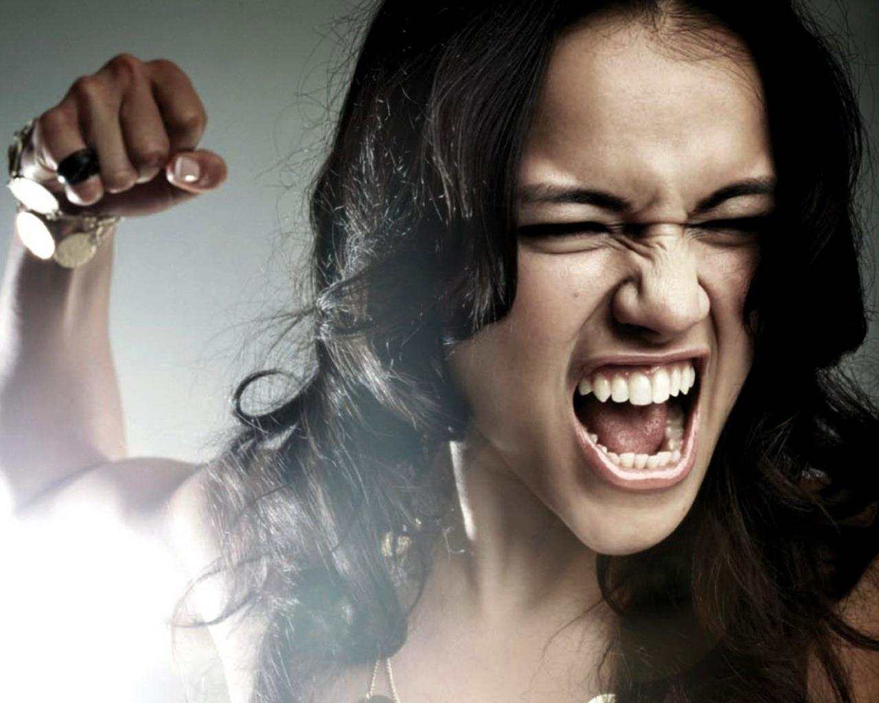 angrywoman Kultura kanalisanja nervoze