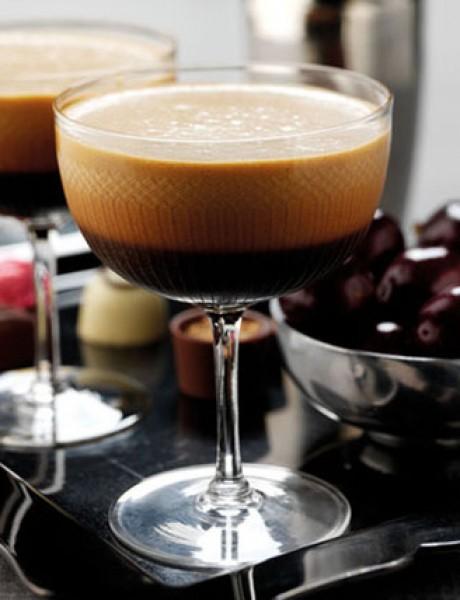 Martini od višnje i espresa