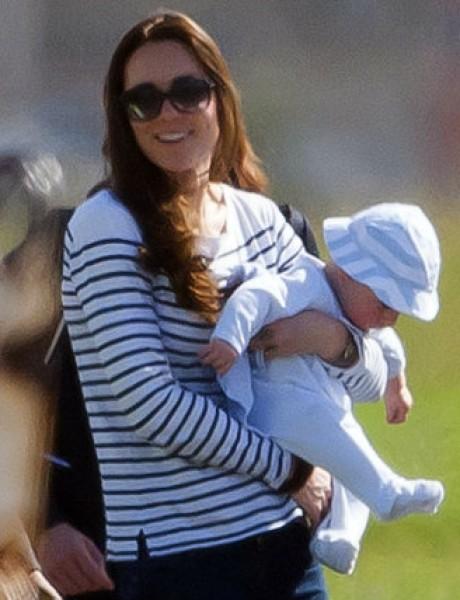 Princ Džordž na prvom porodičnom putovanju