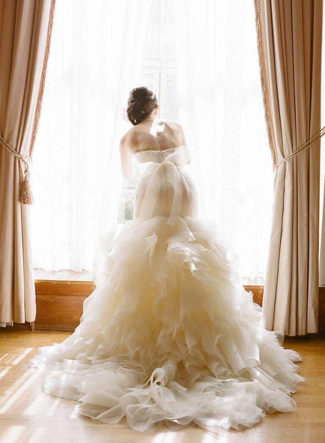 1 Showing Ruffles Maximum Effect Morate se ovako slikati na svom venčanju!