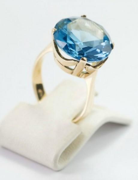 """Zaprosite je prstenom sa dragim kamenom i sigurno će vam reći """"da"""""""