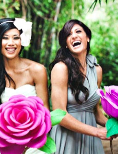"""Kažu nosiš cvetove papirne, na svakom piše """"volim te"""""""