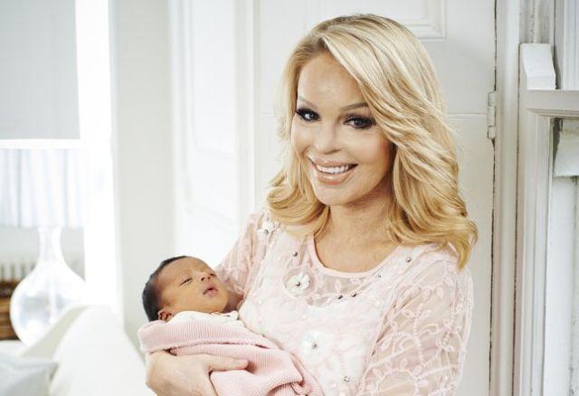 Hello Katie Piper 1321 646x442 Kejti Pajper pokazala prve slike svoje bebe