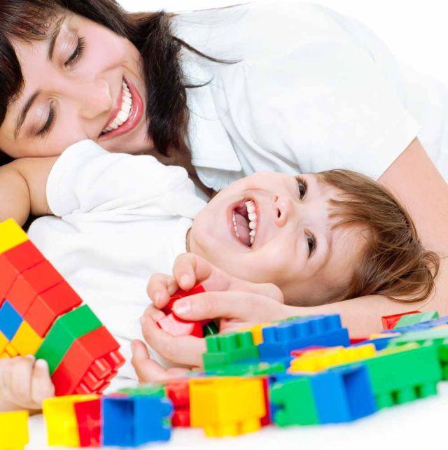 mother and toddler blocks Preko aktivne mame do aktivne bebe