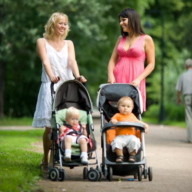 stroller baby mom Deset vežbi do tela iz snova