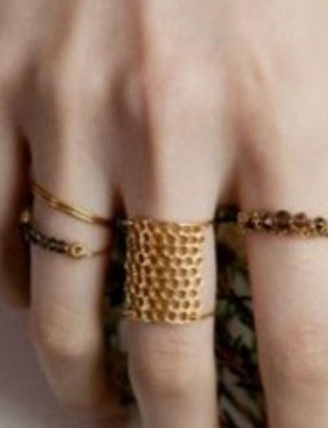 Aksesoar dana: Kako tradicija nalaže, okiti se zlatom!