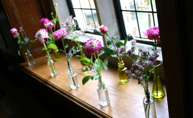7 savvy wedding flowers for a small budget Dahlias Budite lukavi: Prelepi buketi za ograničen budžet