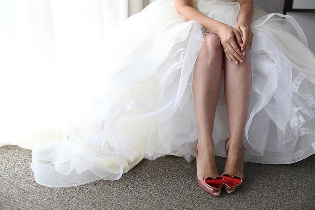 Quirky Shoes Bride1 Slobodno ukrasite svoje venčanje srcima!
