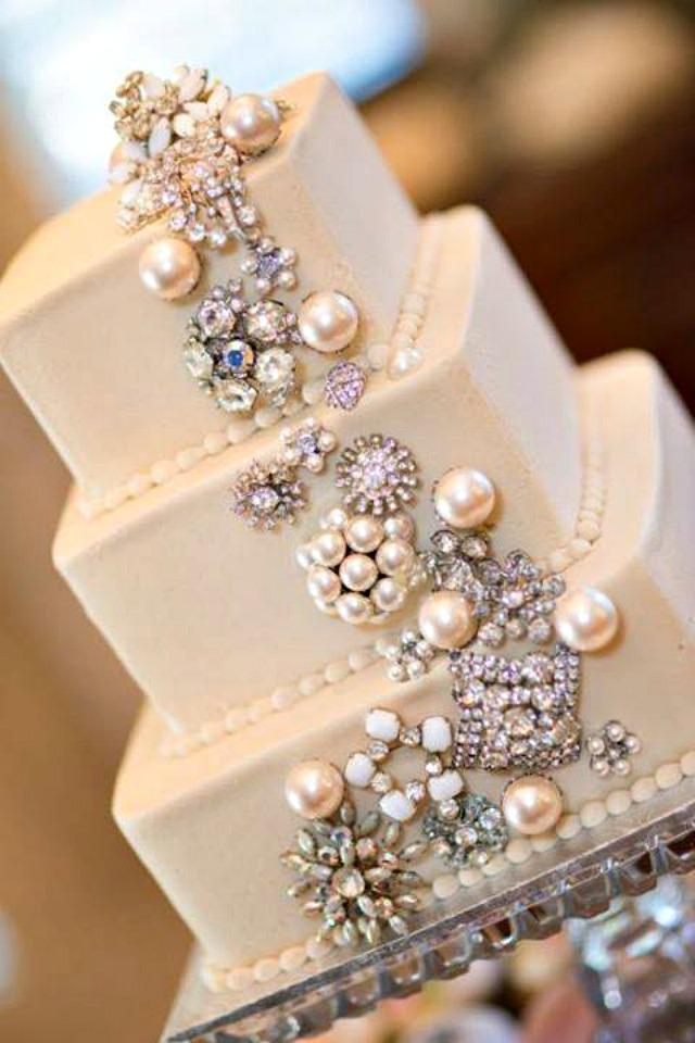 Torta perle kristali Trendi venčanje: Perle i cirkoni na torti