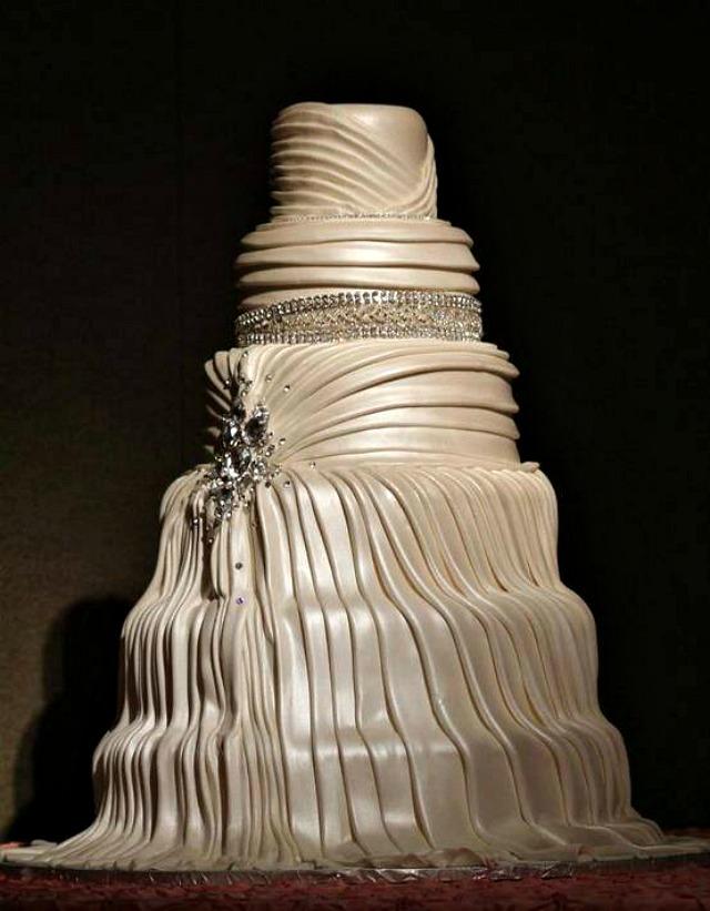 Torta saten Trendi venčanje: Torta od satena