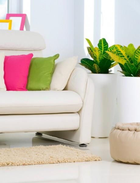 Klasični enterijeri: Svetla i bela dnevna soba