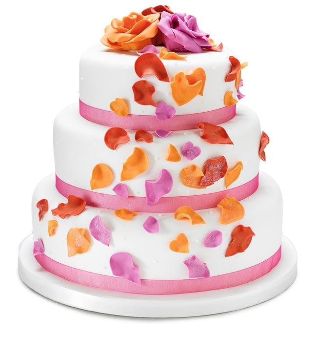 how to choose high street wedding cakes to suit your theme petal cake Nežne torte za prolećno venčanje